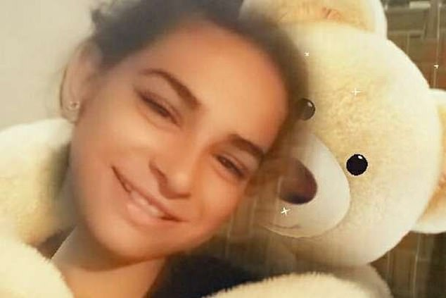 Суд признал законным брак мужчины с 13-летней девочкой, которую он похитил из дома и заставил сменить веру