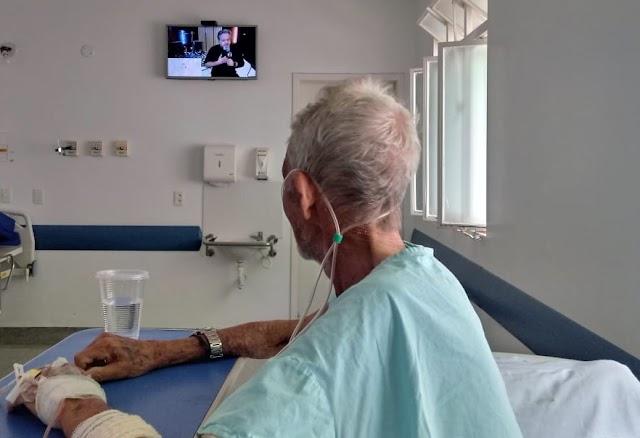 Hutrin e HRL ressaltam a importância da musicoterapia no tratamento de pacientes internados