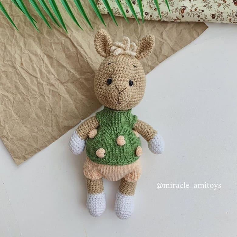 Вязаная игрушка лама крючком