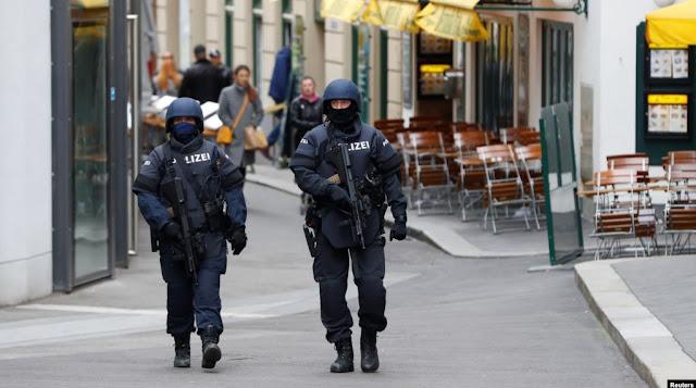 Il capo dell'antiterrorismo austriaco si dimette dopo l'attacco a Vienna