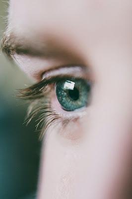 عوامل جفاف العين ١٢ شئ يجعلك تصاب به
