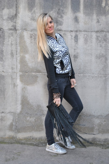 outfit nero come abbinare il nero abbinamenti nero how to wear black how to combine black how to match black black total look black outfit outfit febbraio 2016 outfit invernali casual winter outfits february outfits mariafelicia magno fashion blogger colorblock by felym fashion blog italiani fashion blogger italiane blog di moda blogger italiane di moda fashion blogger bergamo fashion blogger milano fashion bloggers italy italian fashion bloggers influencer italiane italian influencer