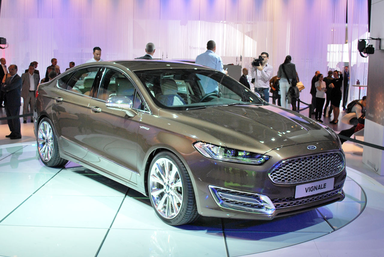 automotiveblogz 2015 ford mondeo vignale frankfurt 2013 photos. Black Bedroom Furniture Sets. Home Design Ideas