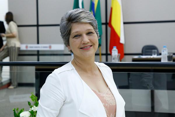 A vereadora de Maringá Cris Lauer