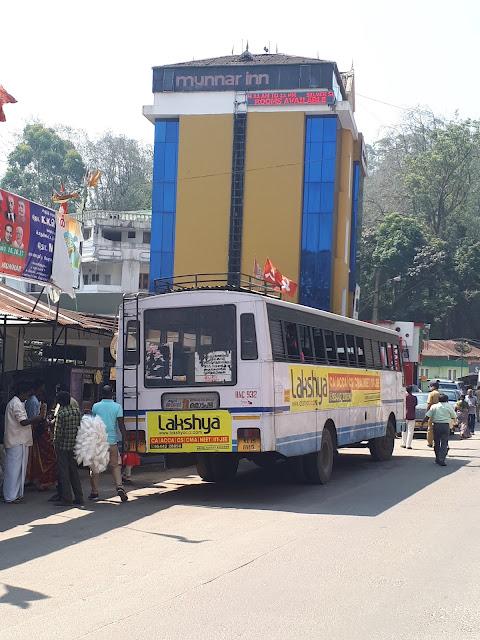 Bus Stop à Munnar