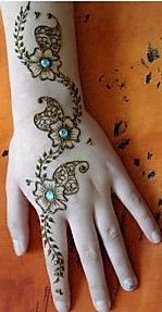 Simple and cute Mehndi designs that are superb and super easy