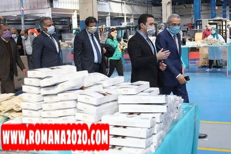 أخبار المغرب اكتشاف 7 ملايين كمامة بالمخازن وراء الخصاص في الصيدليات