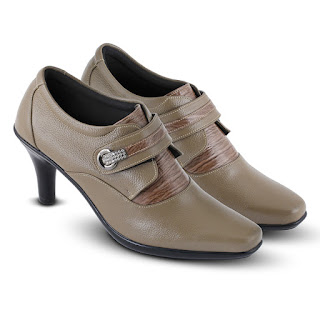 gambar sepatu boots heels,gambar sepatu boots korea kulit,koleksi sepatu boots korea 2018,sepatu kerja wanita boots original,sepatu formal boots wanita hitam,sepatu boots kerja murah surabaya,grosir sepatu kerja boots jakarta,toko sepatu kerja wanita di bandung,pusat sepatu kerja murah di bandung,sepatu boots kerja kulit warna maroon
