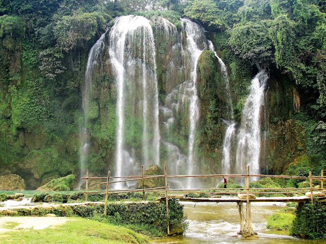 ban gioc second waterfall dry season vietnam