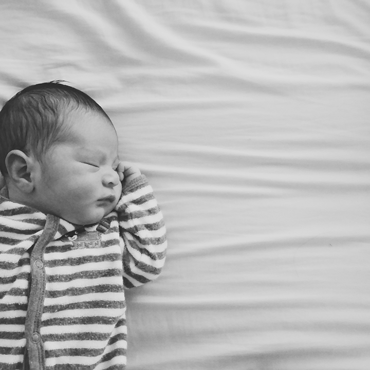 Contractions 5 Minutes Apart: Everyday To Us: A Birth Story: Jason Thomas
