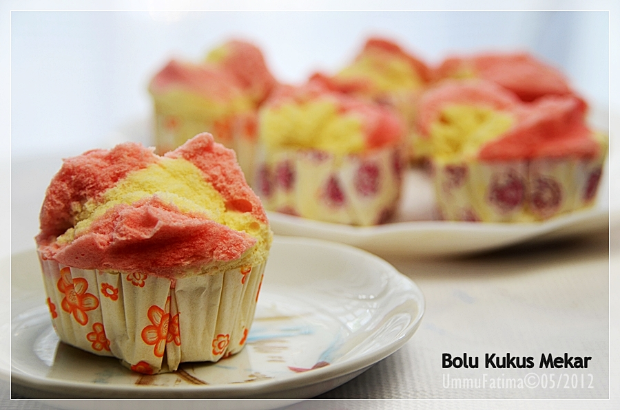 Resep Fruit Cake Kukus Yongki Gunawan: Simply Cooking And Baking...: Bolu Kukus Mekar