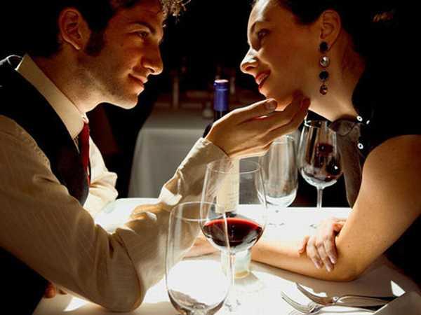 sevgiliye akşam yemeği hazırlama