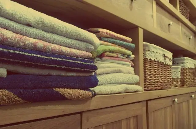 Tips Perawatan Sprei dan Bed Cover Agar Lebih Awet