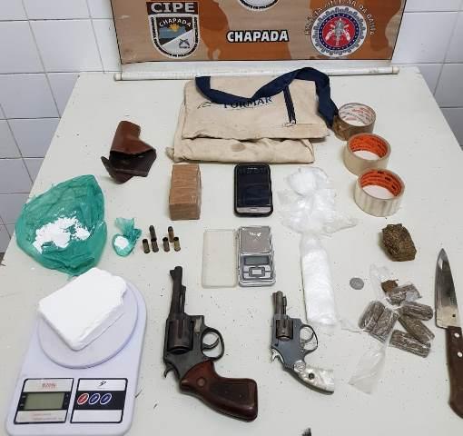 Homem morre em confronto com a Cipe, em Itaetê; armas e drogas foram apreendidas