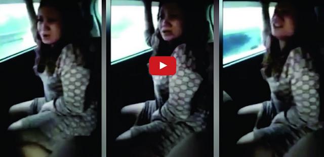 VIDEO SEORANG WANITA SEDANG MENDESAH DI ANGKOT BIKIN GELENG - GELENG KEPALA