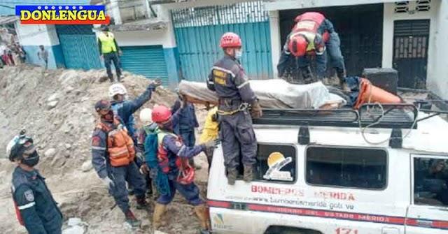 Encuentran cadáver de un motorizado tapiado por el barro en Mérida