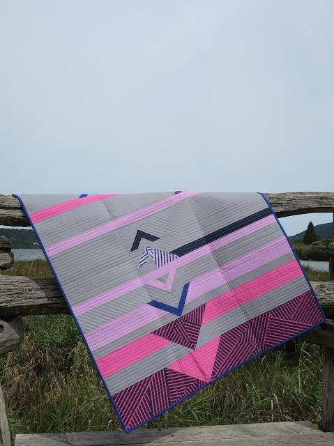 Luna Lovequilts - Horizon Quilt - Photo shoot outside