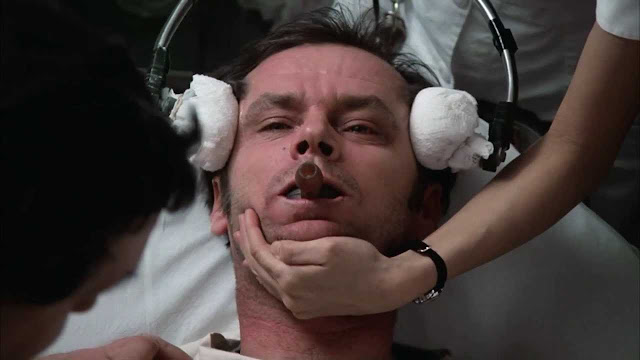 джек ніколсон пролітаючи над гніздом зозулі лоботомія кадр