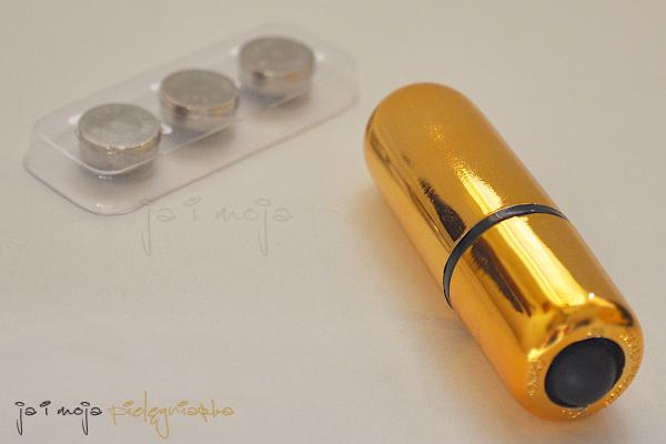 miniwibrator, wibrator bullet, plug, pochwa, cipka, wargi sromowe, blog