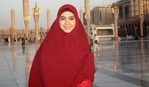 muslimah berhijab syari oki setiana dewi