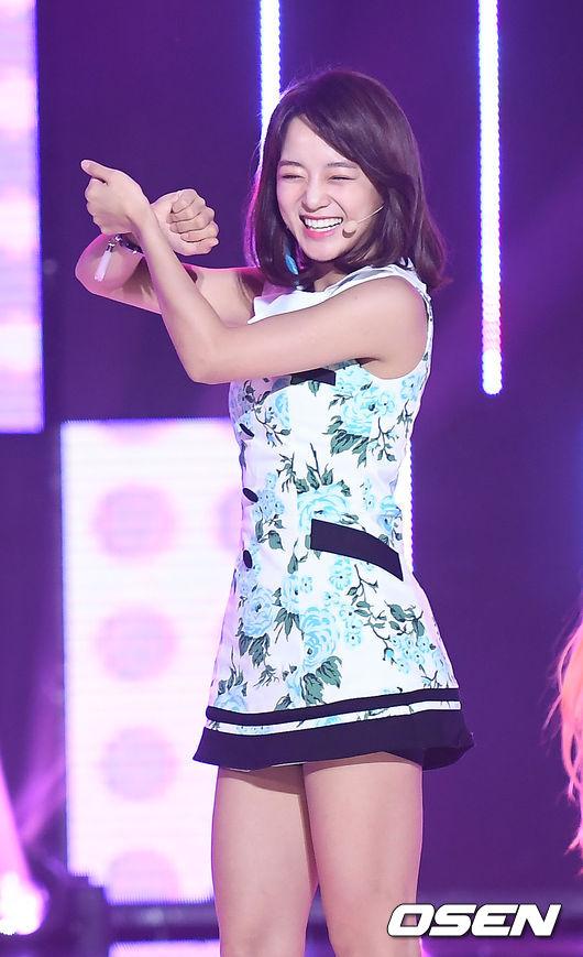 170321 gugudan - SBS MTV 'The Show' S05E105 - 63p