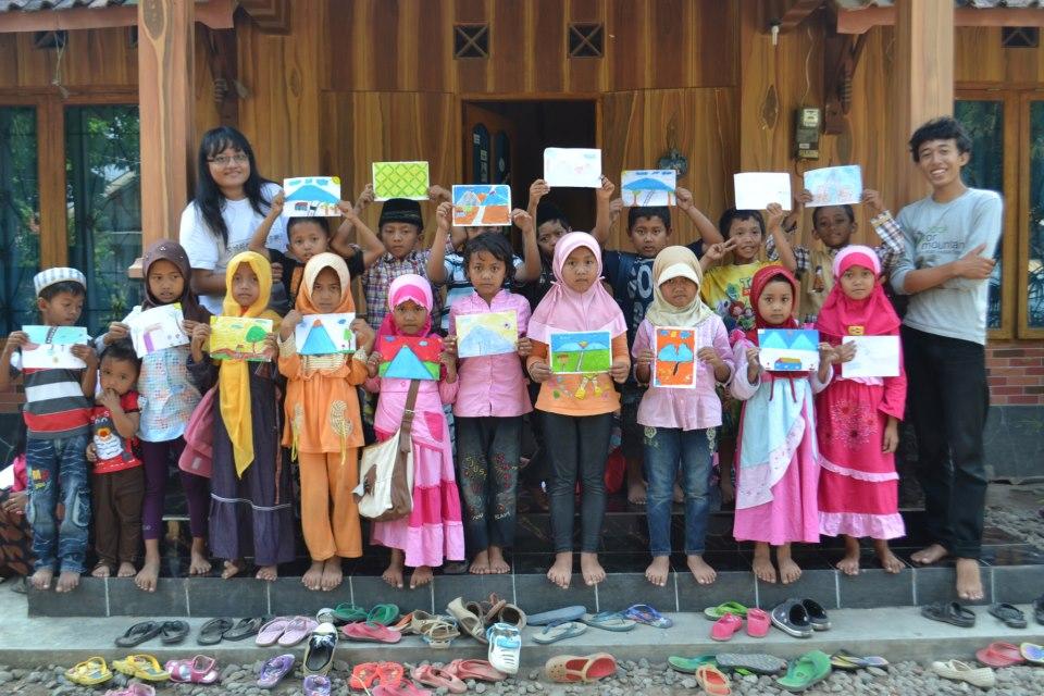 Sekolah Berjalan di Dusun Gendingan, Desa Borobudur