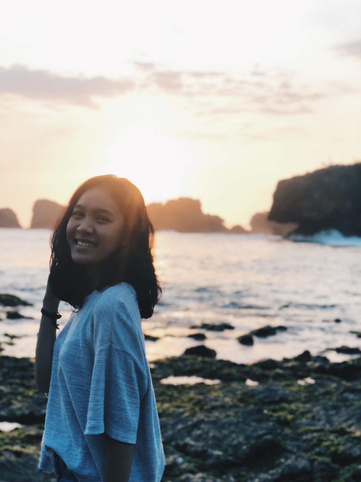 pantai | Monica Maharani SItompul