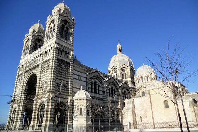 Christmas in Provence: Cathédrale de Nouvelle Major in Marseille