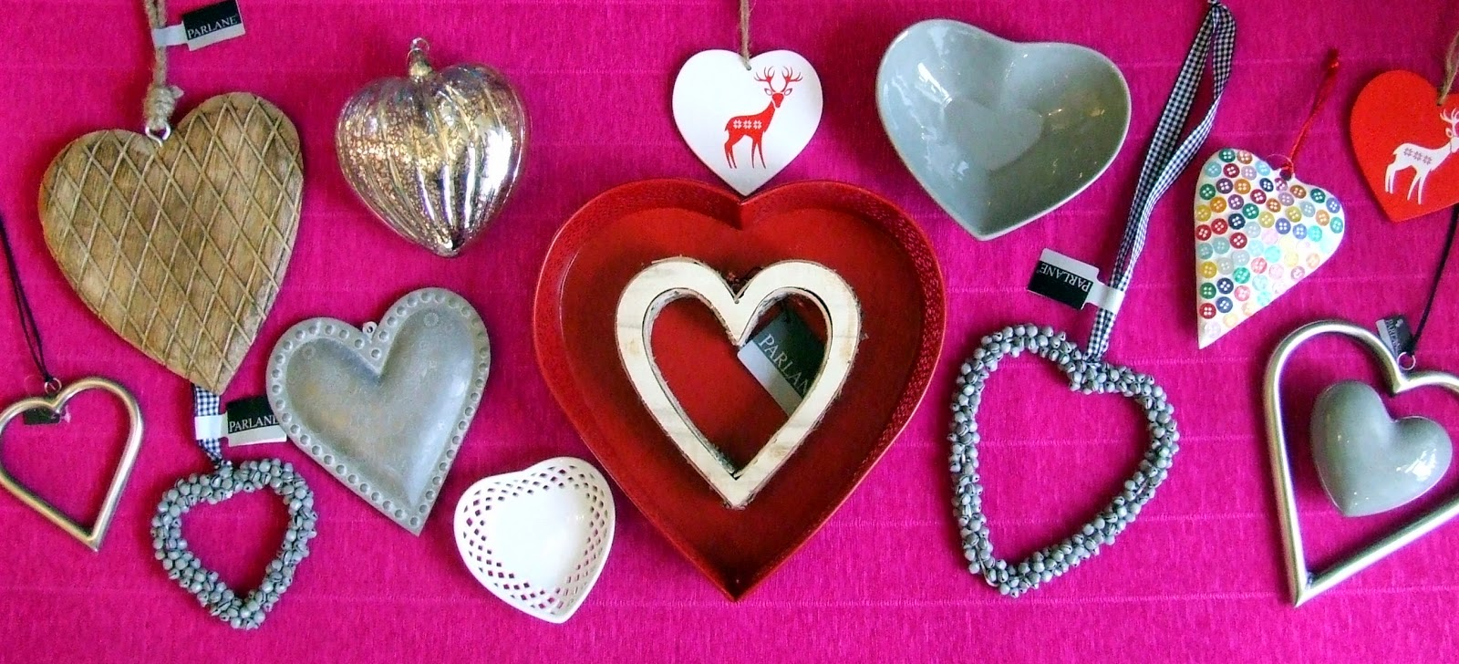Valentine display of hearts