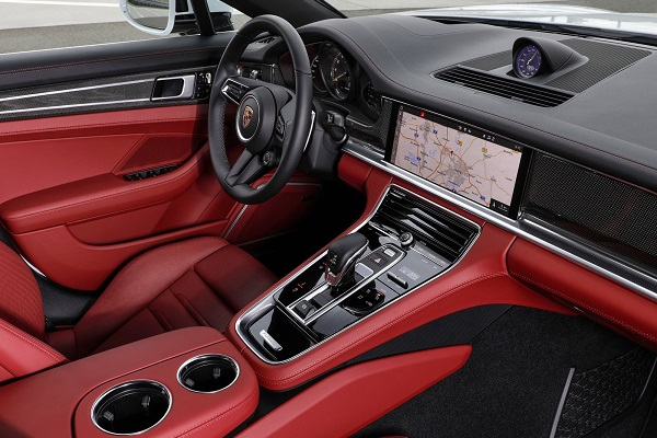 Interior Porsche Panamera Turbo S