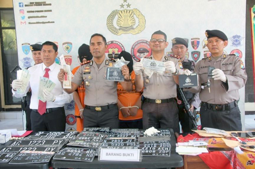 Oknum Leasing Diduga Terlibat Jual Beli Stnk Palsu Di Blitar