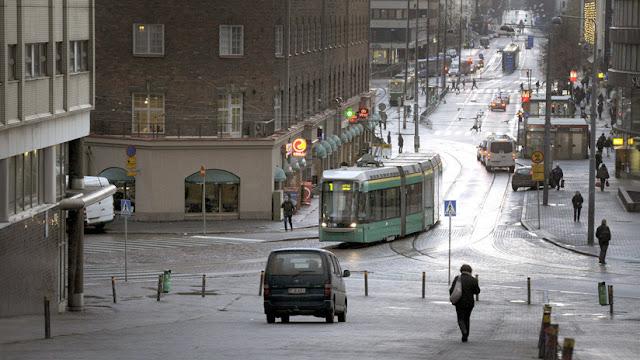 Finlandia logra reducir el número de 'sintecho' y ahorrar fondos gracias a un programa: ¿en qué consiste?