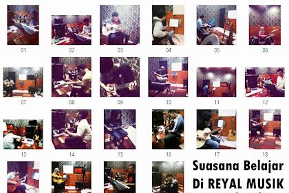Suasana Proses Belajar Di Reyal Musik - Kursus Les Gitar, Piano Keyboard, Bass, Drum Jakarta