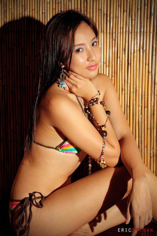 sexy asian girls bikini pics 06