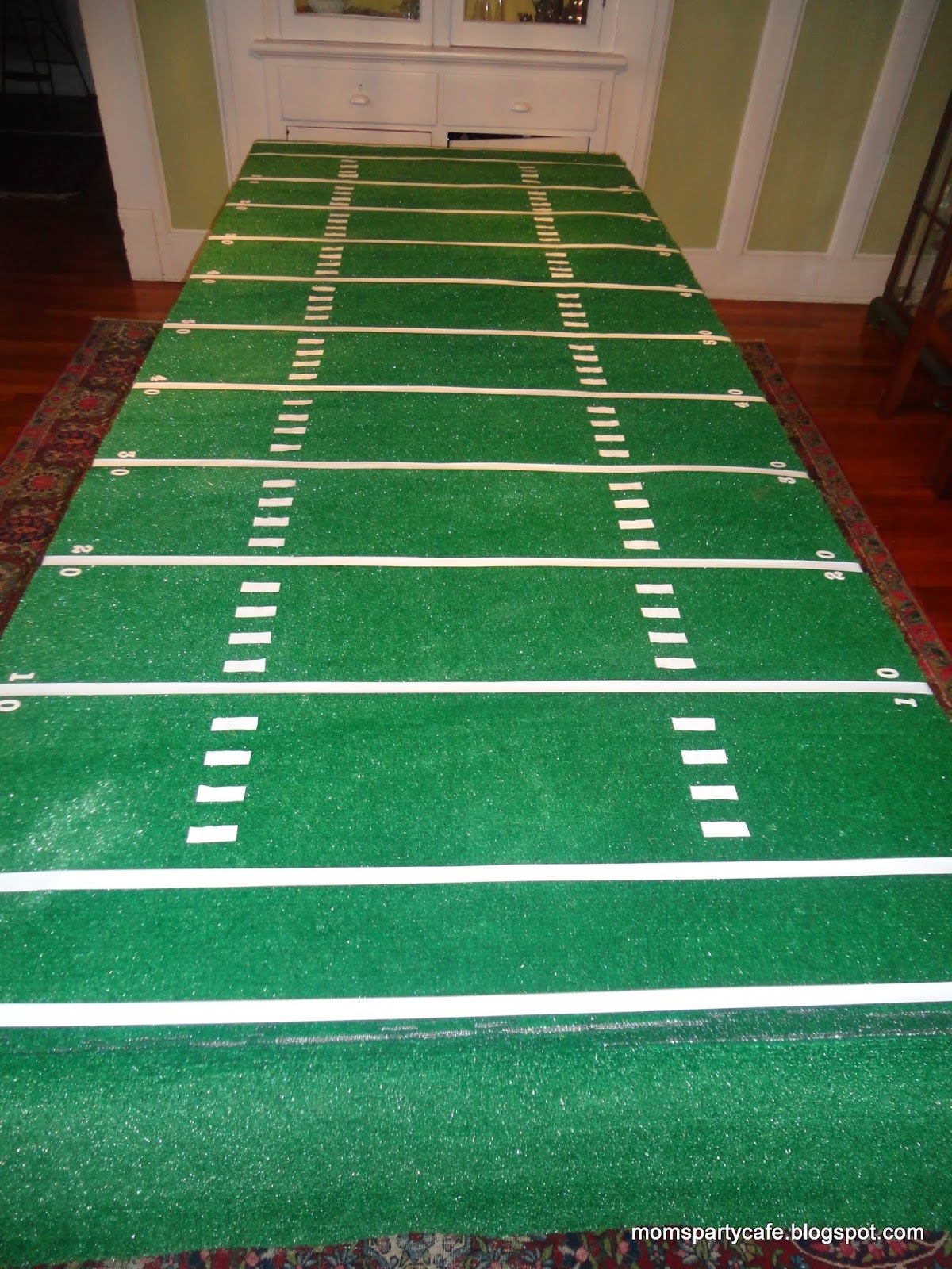Moms Party Café Football Field Table Cover