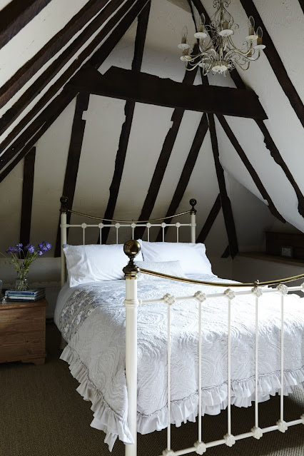 english country house guest bedroom