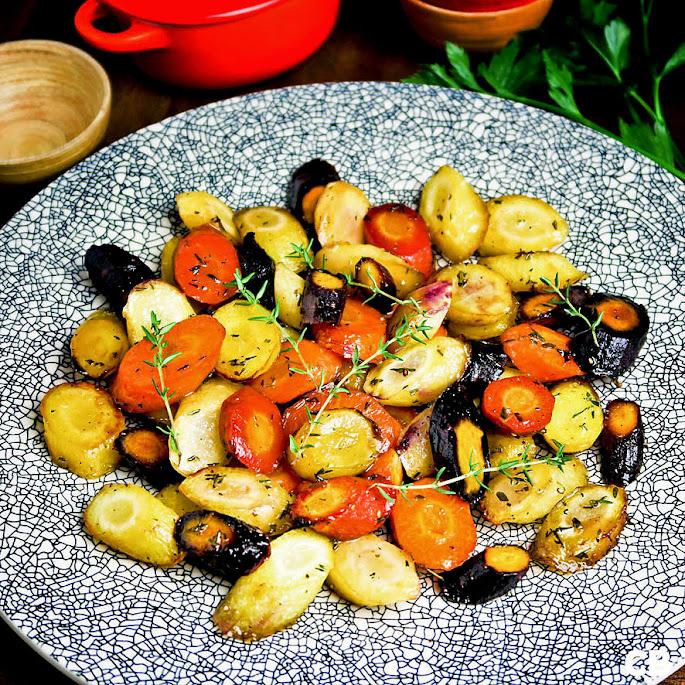 Recept Ovengeroosterde regenboogworteltjes met honing en tijm