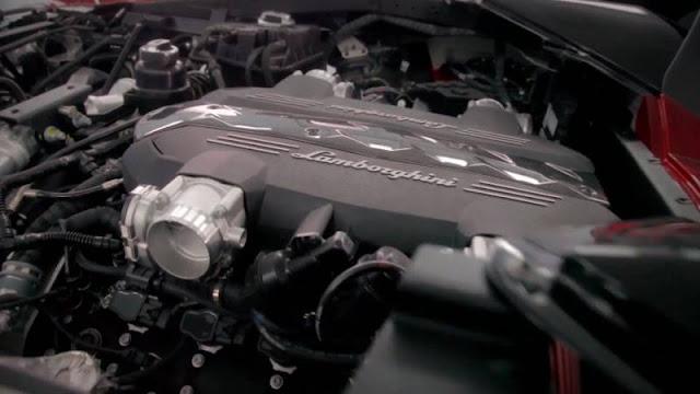 Lamborghini-Urus-engine