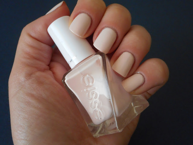 Essie Gel Couture - Lace Me Up