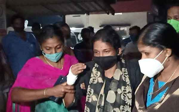 News, Kerala, State, Top-Headlines, Alappuzha, Woman, Kidnap, Gold, Case, Police, Accused, custody, One person in custody in connection with the disappearance of a young woman