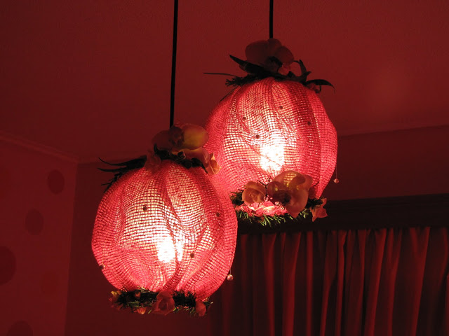 Εύκολη μεταμόρφωση φωτιστικού για δωμάτιο κοριτσιών.