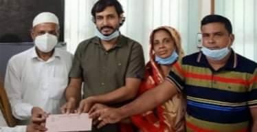 সাতক্ষীরায় মসিজদের উন্নয়নে  ৫০ হাজার টাকা অনুদান প্রদাণ