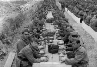 """Año 1.947: """"Confortable comedor"""" de la tropa de Infantería"""