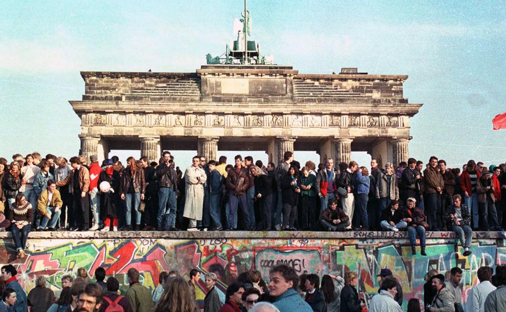 brandenburg gate 1989 - photo #37