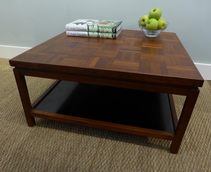 MICHAEL THOMAS Mid Century Coffee Table : P1070428 from mtantiques.blogspot.com size 879 x 715 jpeg 81kB