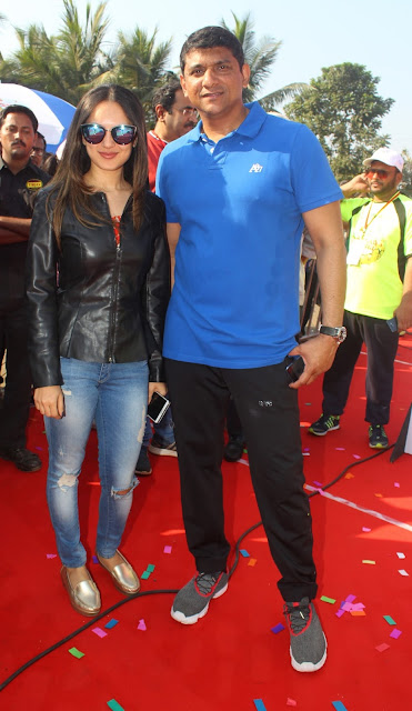 3. Aslam Shaikh with Pooja Banerjee