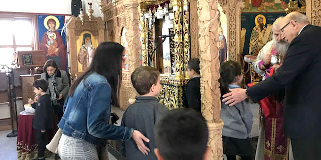 Θεσπρωτία: Στη Θεσπρωτία οι πιστοί πήγαν στους ναούς, τηρώντας τα προληπτικά μέτρα, και κοινώνησαν...