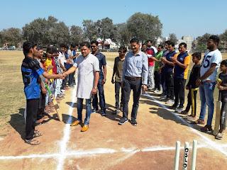 ओपन टेनिस बॉल क्रिकेट टूर्नामेंट का विधायक पटेल ने किया शुभारंभ
