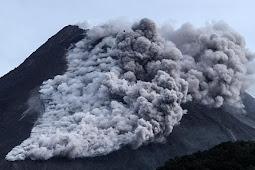Gunung Merapi Erupsi, Pemkab Sleman Evakuasi Warga dan Angkasa Pura Waspada