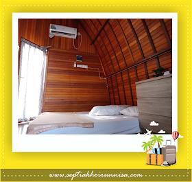 Dalam kamar villa ala Maladewa ini